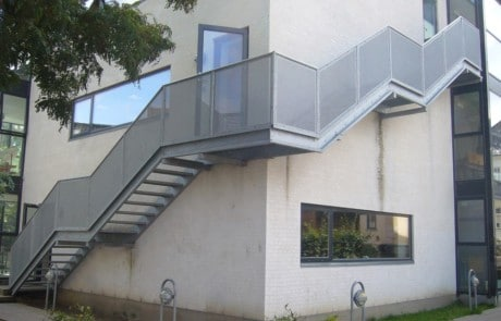 Strækmetal, stål trappeværn, værn, gelænder, stål gitter, trappeværn, altanværn