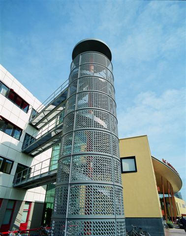 Værn, Altanværn, trappeværn, Perforerede plader, Perforering, Facadebeklædning, metal facade,