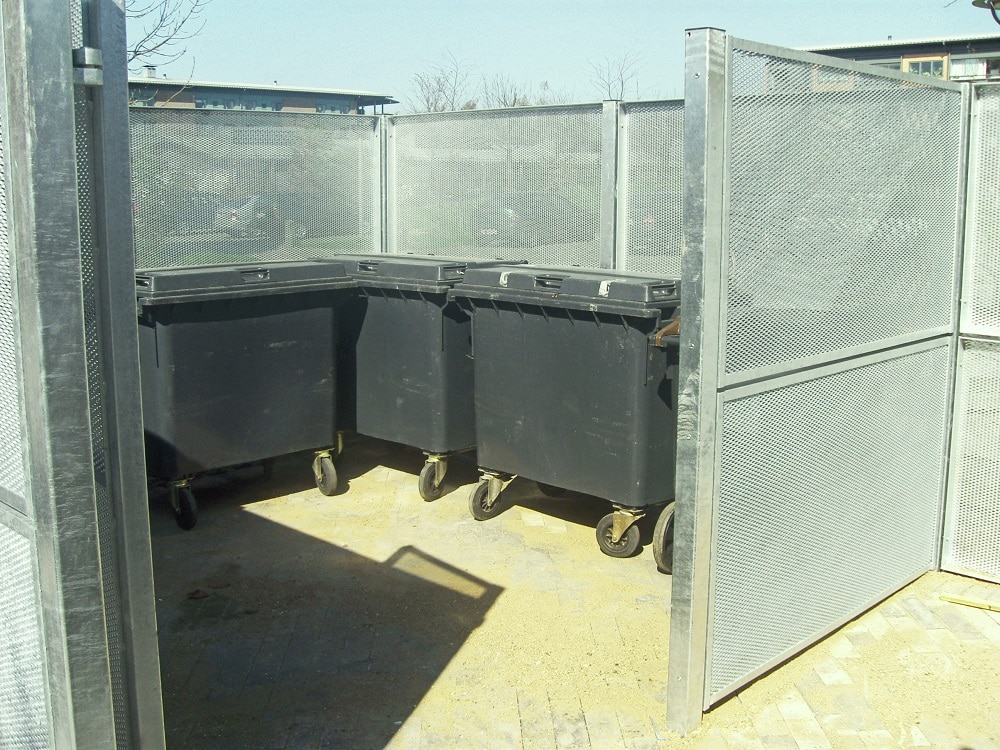 Straekmetal skærmning, containergård